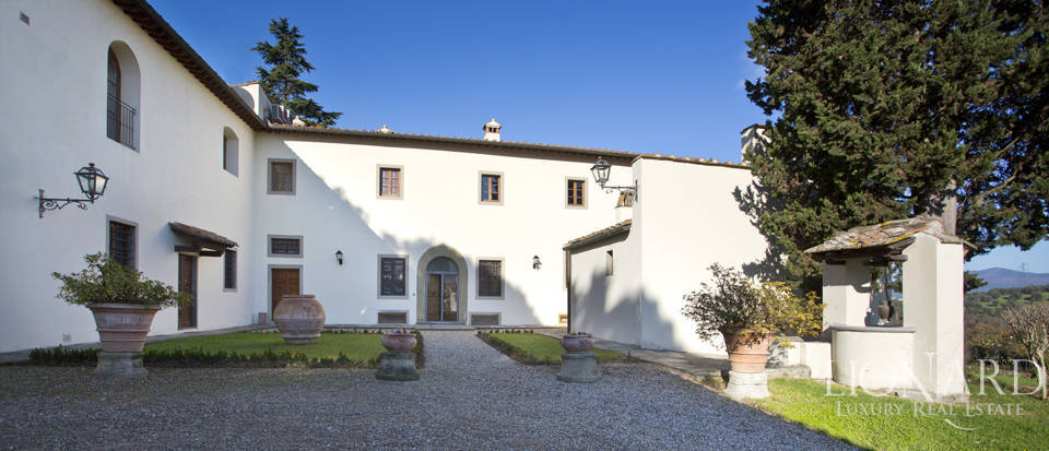 Period residence for sale in Tuscany Image 11