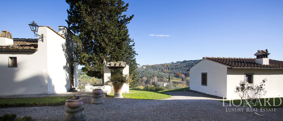 Period residence for sale in Tuscany Image 23