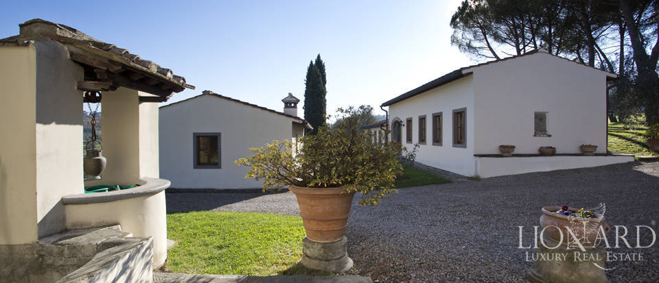 Period residence for sale in Tuscany Image 24