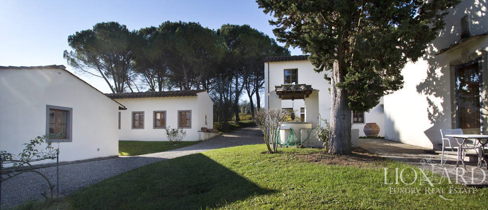 Period residence for sale in Tuscany Image 25