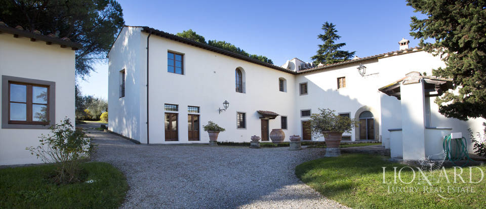 Period residence for sale in Tuscany Image 13