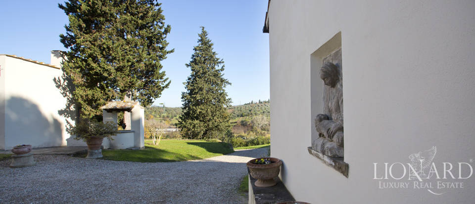 Period residence for sale in Tuscany Image 27
