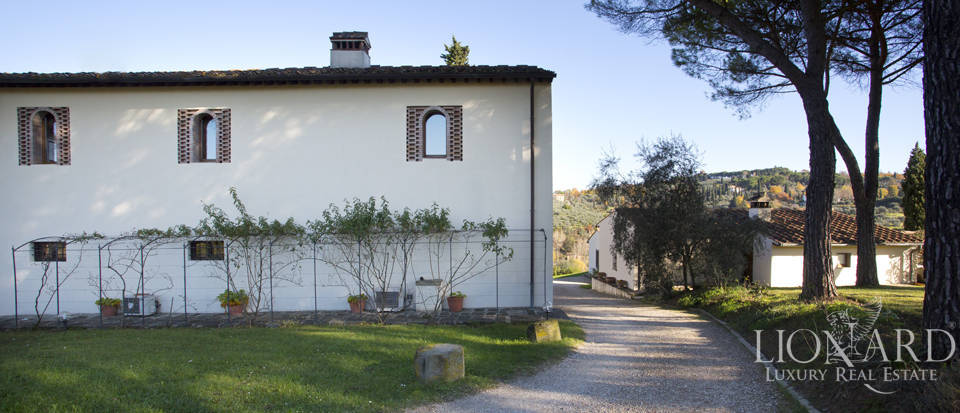 Period residence for sale in Tuscany Image 15