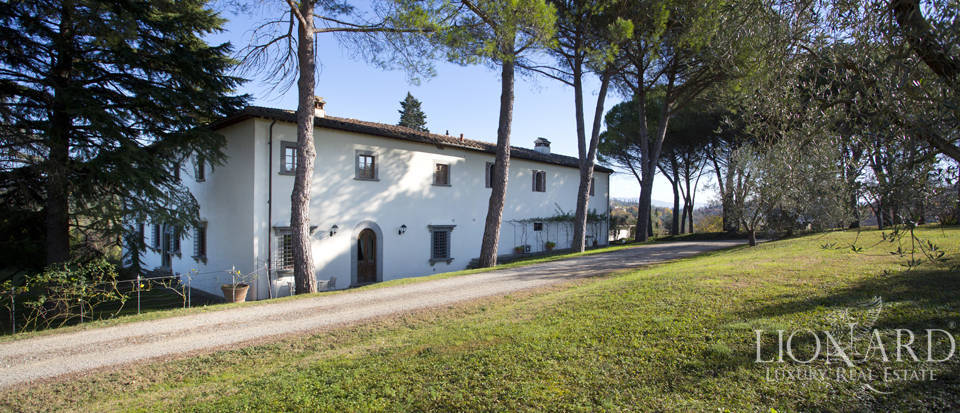 Period residence for sale in Tuscany Image 14