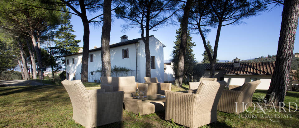 Period residence for sale in Tuscany Image 16