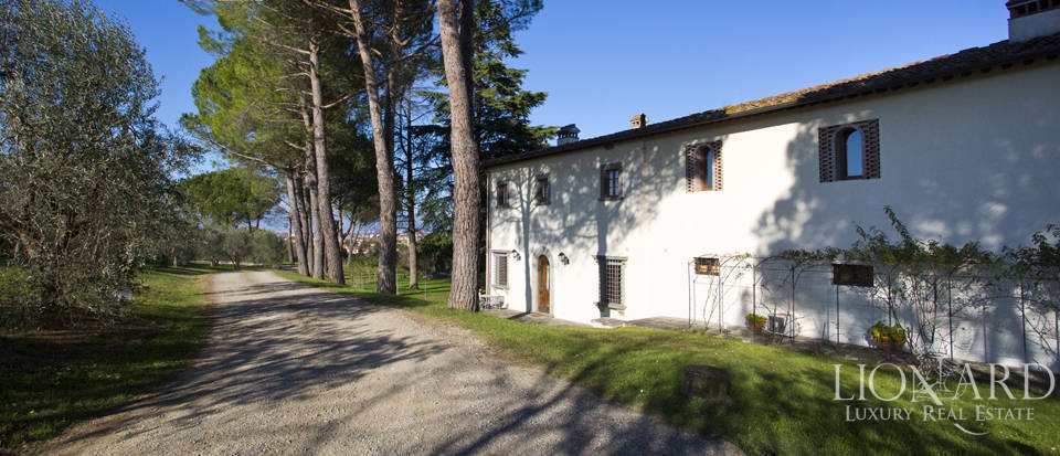 Period residence for sale in Tuscany Image 19