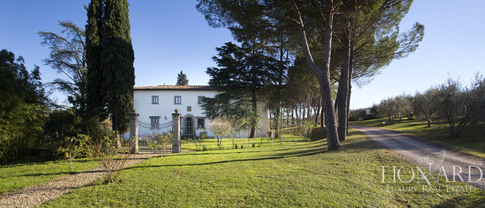 Period residence for sale in Tuscany Image 7