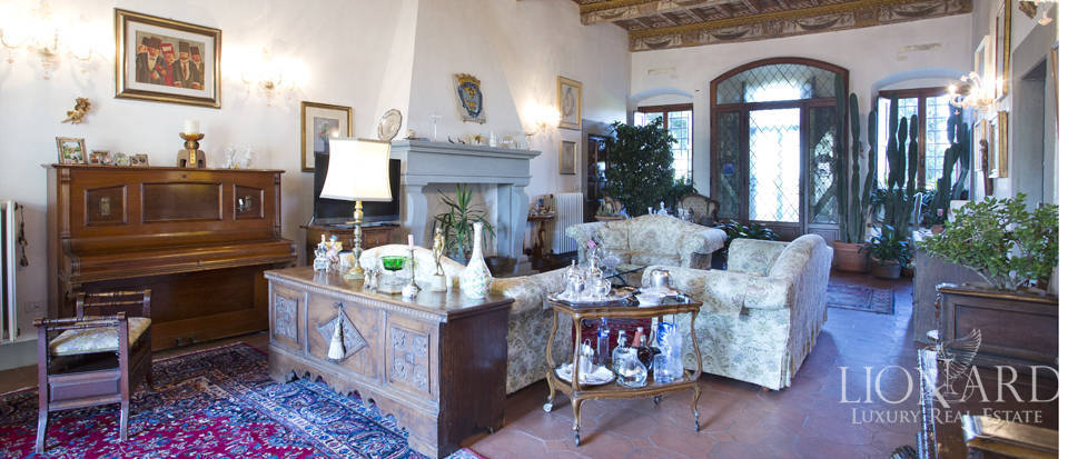 Period residence for sale in Tuscany Image 29