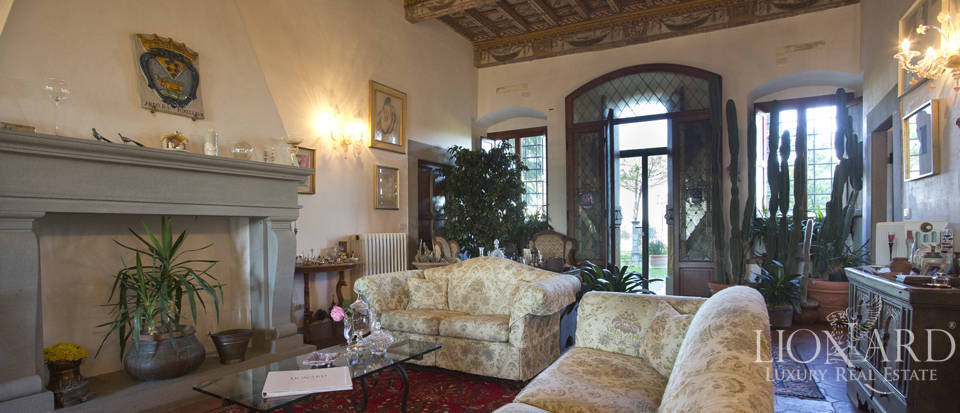 Period residence for sale in Tuscany Image 34
