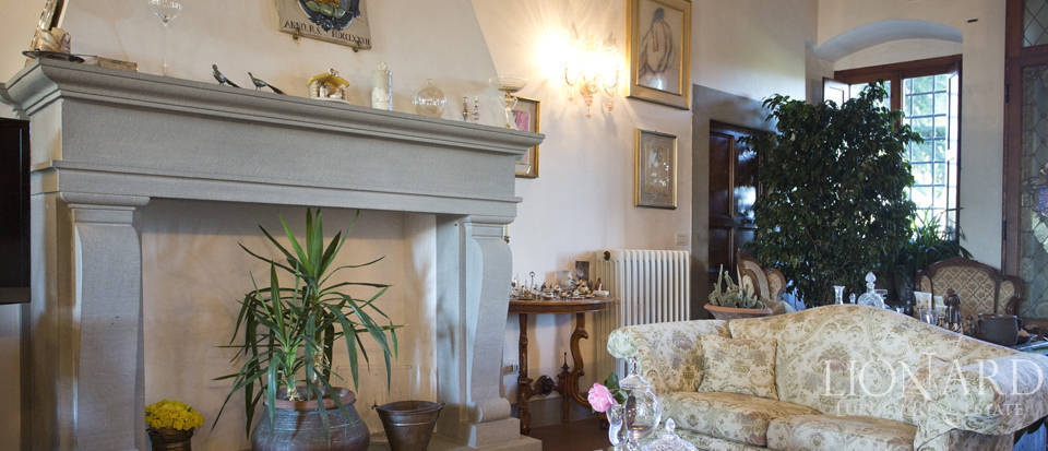 Period residence for sale in Tuscany Image 33