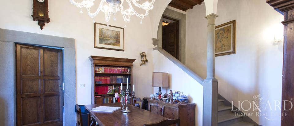 Period residence for sale in Tuscany Image 37