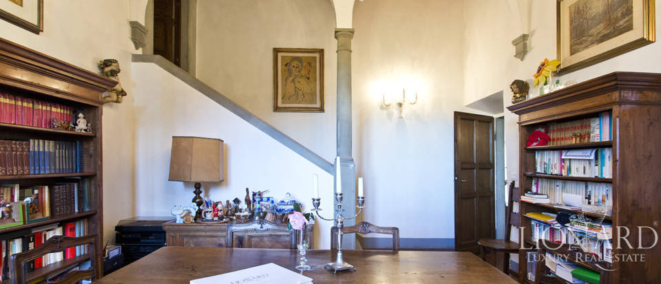 Period residence for sale in Tuscany Image 38
