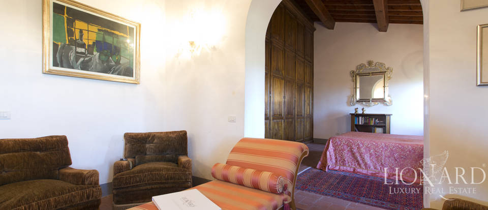 Period residence for sale in Tuscany Image 52