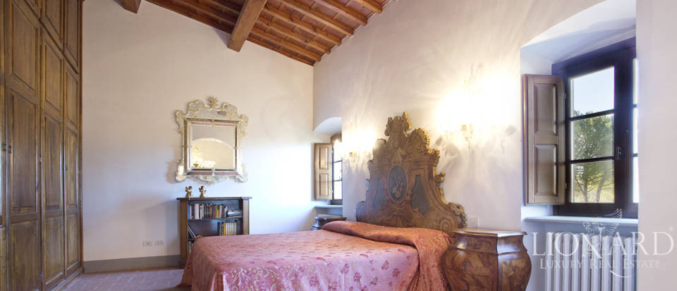 Period residence for sale in Tuscany Image 48