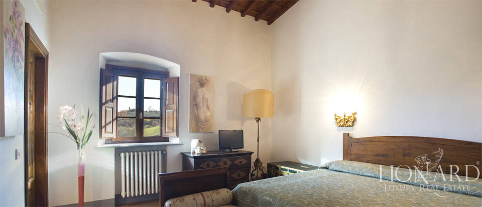 Period residence for sale in Tuscany Image 56