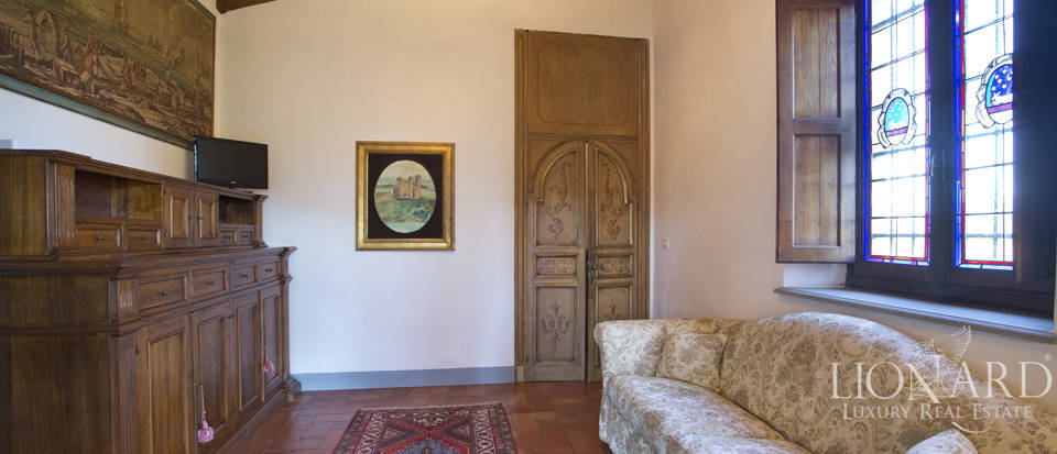 Period residence for sale in Tuscany Image 42