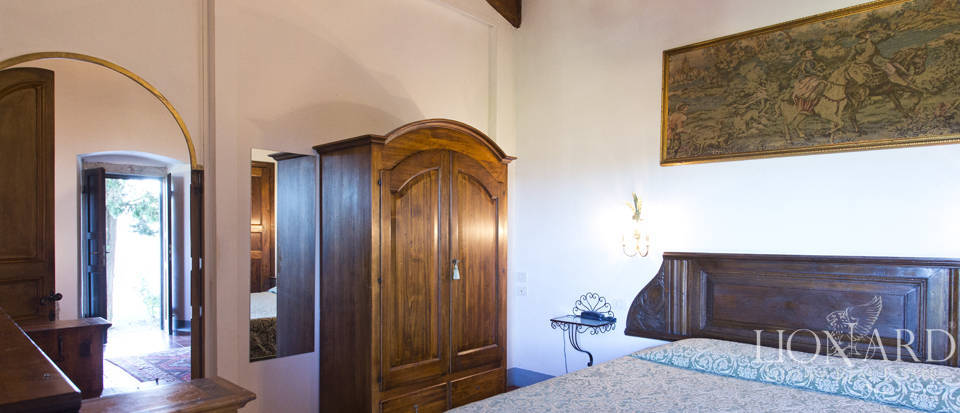 Period residence for sale in Tuscany Image 57