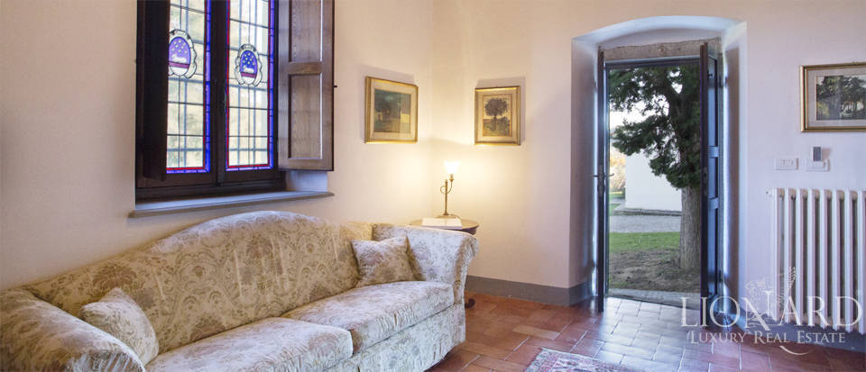 Period residence for sale in Tuscany Image 43