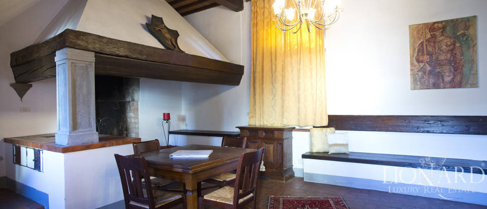 Period residence for sale in Tuscany Image 59