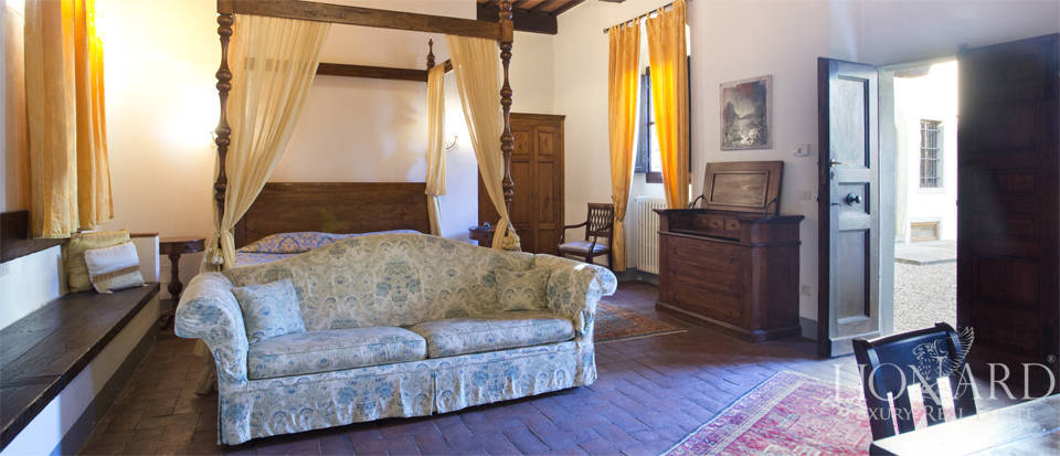 Period residence for sale in Tuscany Image 61