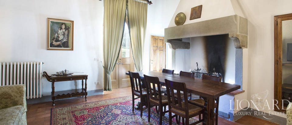 Period residence for sale in Tuscany Image 44