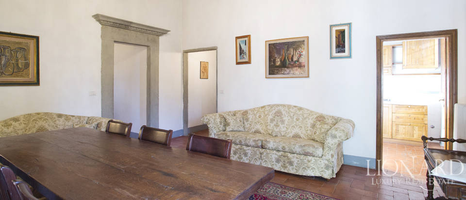 Period residence for sale in Tuscany Image 46