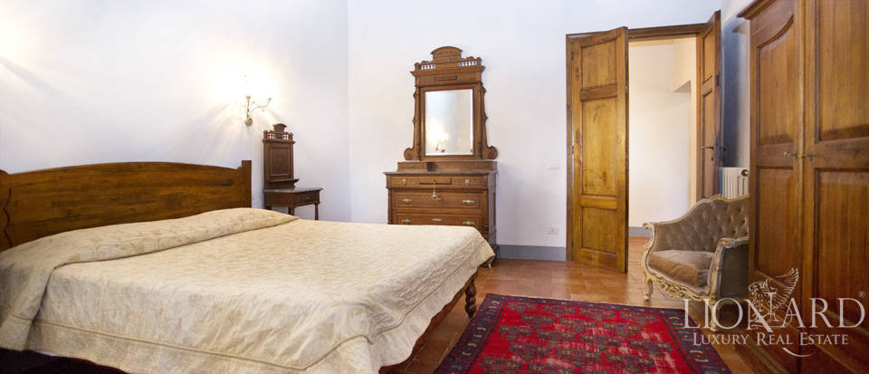 Period residence for sale in Tuscany Image 63