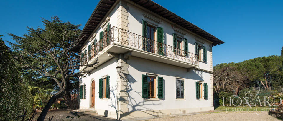 luxury villa with dependance in florence