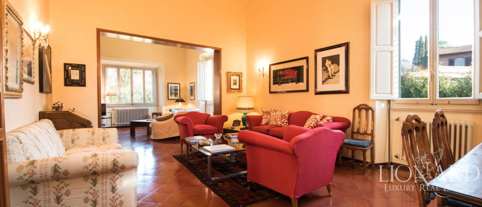 Villas for sale in Florence Image 14