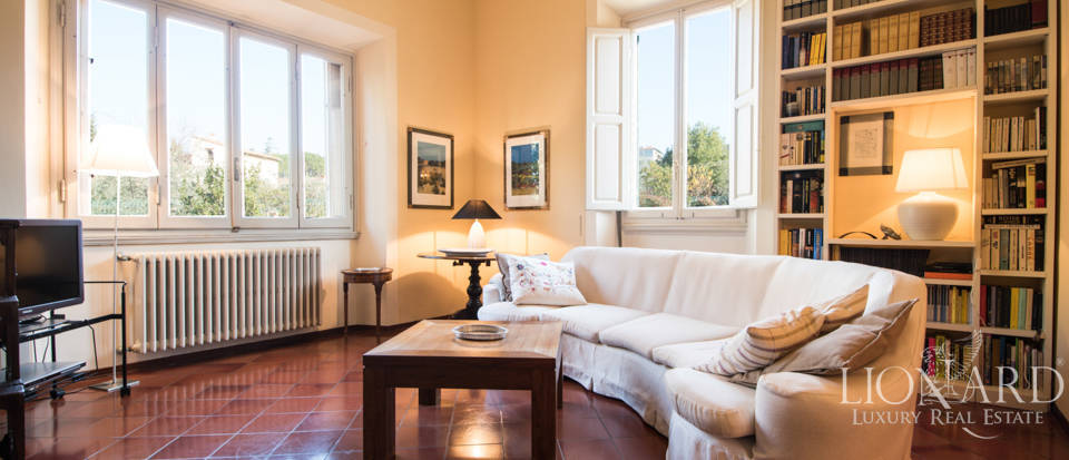 Villas for sale in Florence Image 24