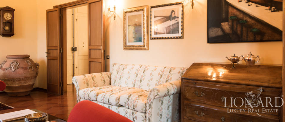 Villas for sale in Florence Image 26