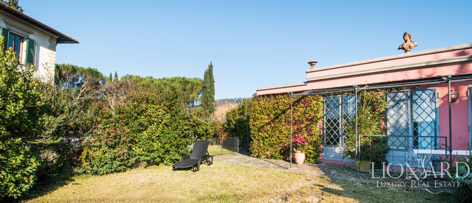 Villas for sale in Florence Image 9