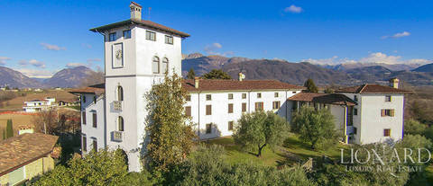 magnificent castle for sale near udine