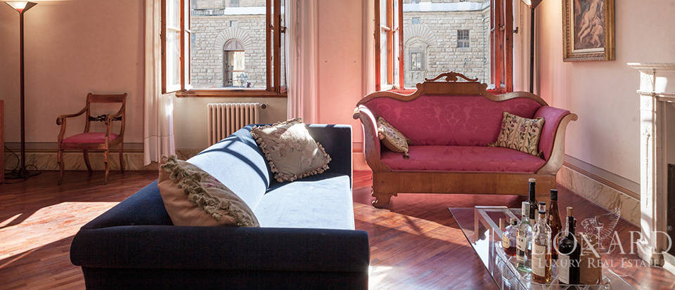 Luxury Apartment for Sale in the Heart of Florence Image 1