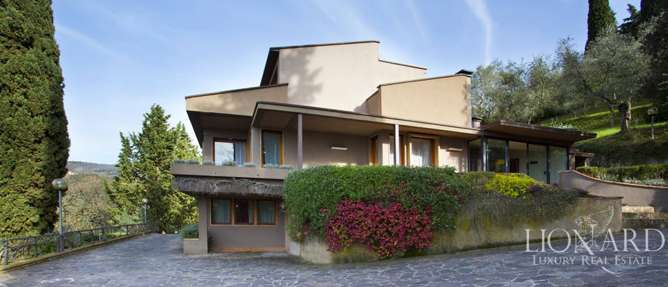 Villa for sale with view of Florence Image 1