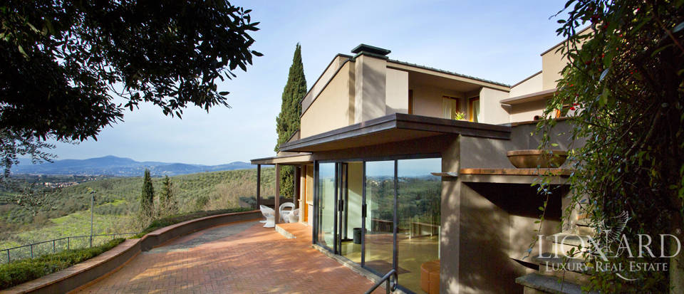 Villa for sale with view of Florence Image 5