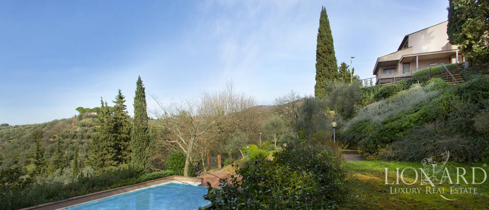 Villa for sale with view of Florence Image 9