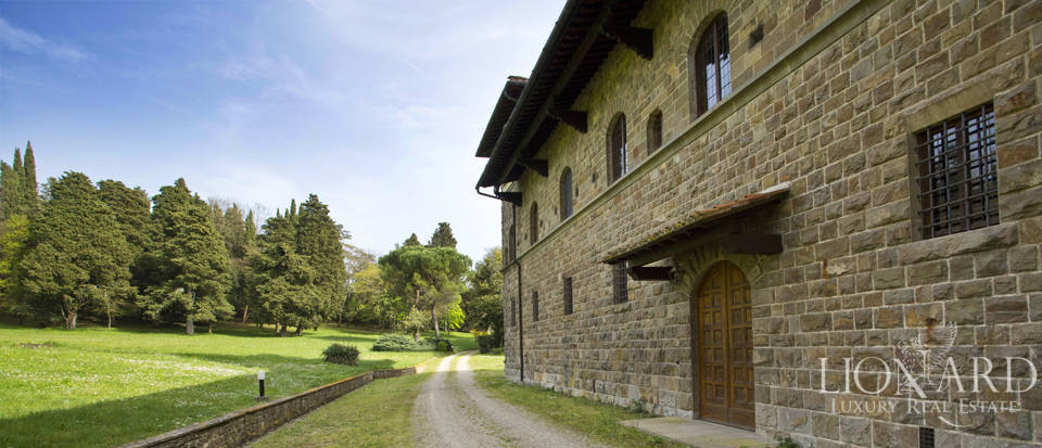 Luxury villa for sale in the hills of Florence Image 14