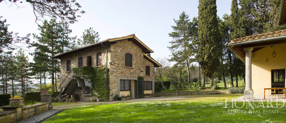 Luxury villa for sale in the hills of Florence Image 20