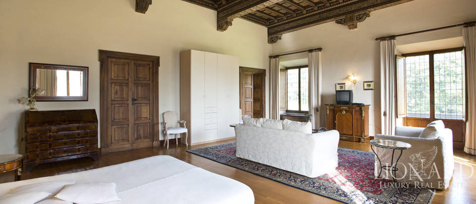 Luxury villa for sale in the hills of Florence Image 43