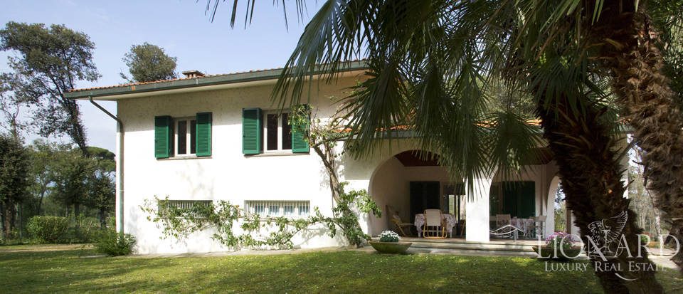 Luxury villas for sale in Versilia Image 15