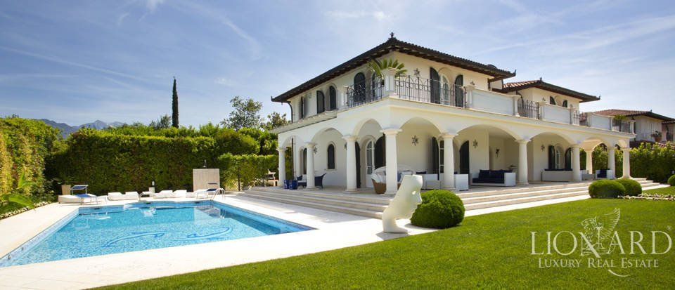 Villas for sale in Forte dei Marmi Image 5