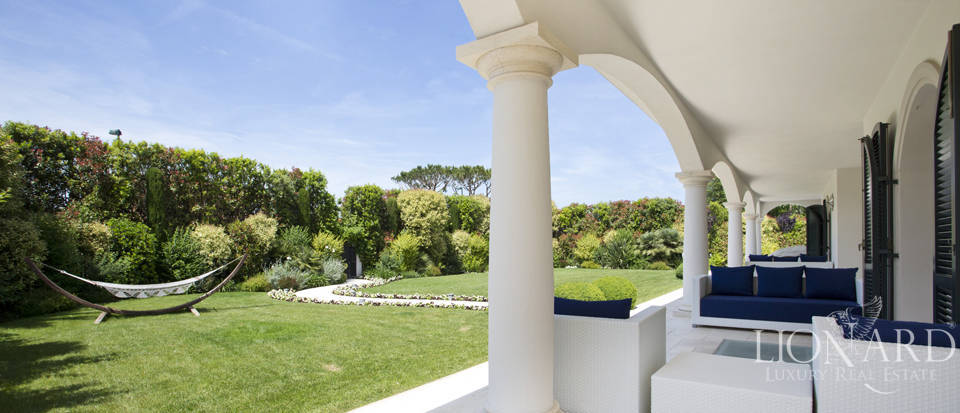 Villas for sale in Forte dei Marmi Image 23