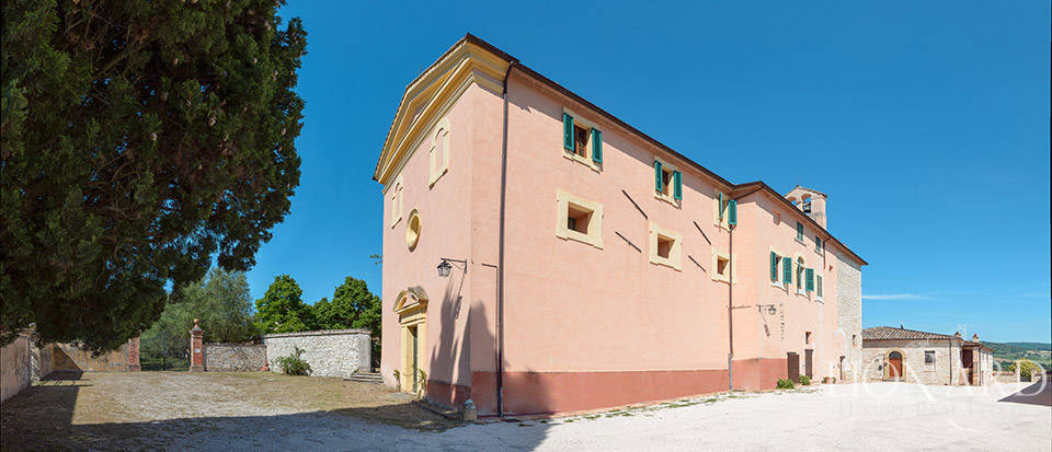 Luxury villa for sale in Perugia Image 15