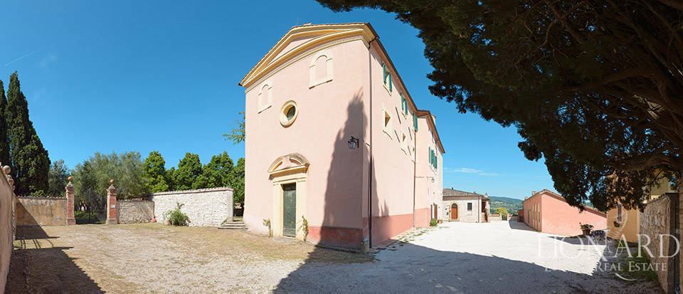 Luxury villa for sale in Perugia Image 16