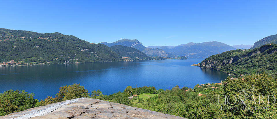 Magnificent luxury villa for sale by Lake Como Image 31