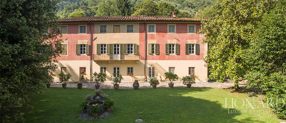 antique luxury villa for sale in lucca