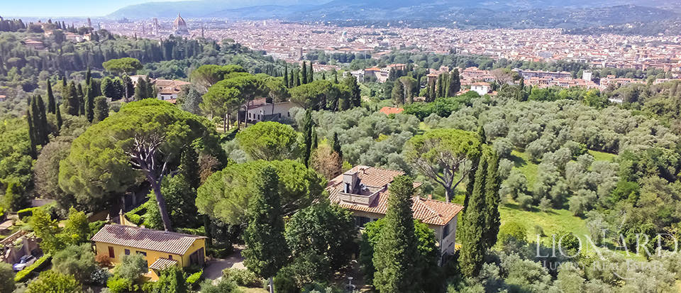 Gorgeous property for sale in Florence Image 5