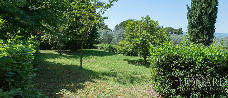 Gorgeous property for sale in Florence Image 11