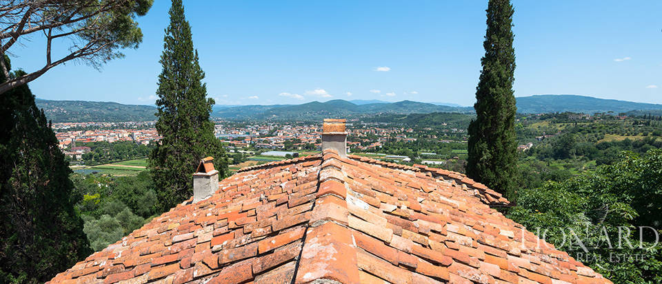Gorgeous property for sale in Florence Image 68